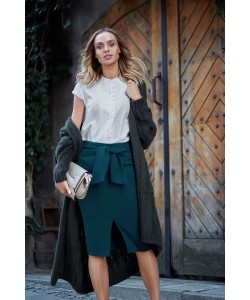 Klasyczna damska spódnica z rozcięciem zielona