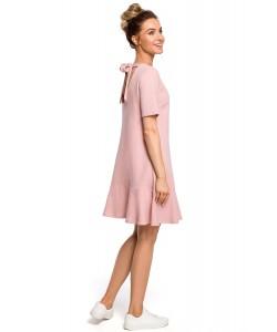 Sukienka damska o trapezowym kroju różowa z falbaną
