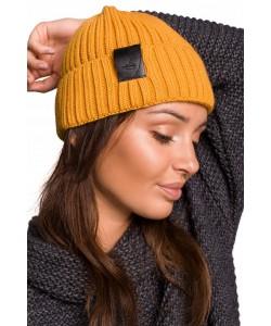 Zimowa czapka damska BK059 żółta