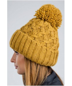 Ciepła zimowa czapka z pomponem CZ08 miodowa