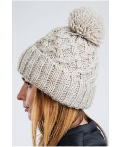 Ciepła zimowa czapka z pomponem CZ08 beżowa