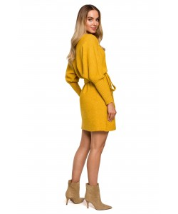 Swetrowa sukienka z wiązaniem M631 miodowy