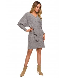 Swetrowa sukienka z wiązaniem M631 szary